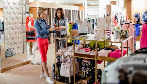 67153812c5 10 Creative Examples Of Retail Visual Merchandising | Deputy®