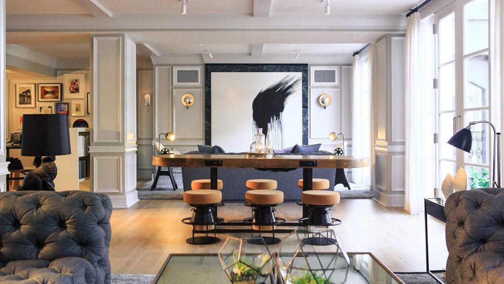 hotel-living-room-769e0653